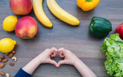 El senador Costa anuncia la financiación de frutas y verduras frescas para las escuelas de la zona